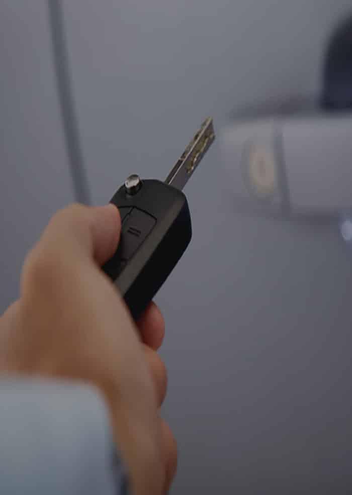 Reproduction de clés de voiture, Serrures